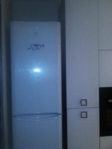 hearts-on-fridge.jpg