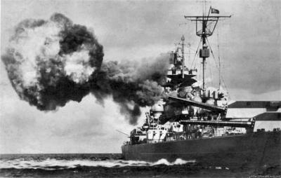Tirpic-nem-Tirpitz---vtoroy-linkor-tipa-Bismark-vhodivshiy-v-sostav-Krigsmarine-1939.jpg