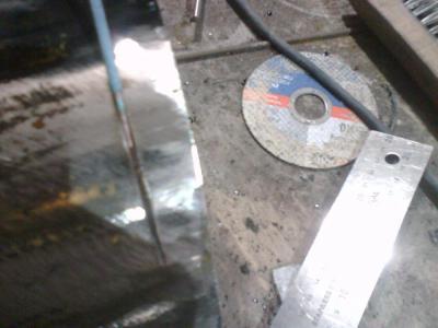 прорезь самым тонким диском по металлу.jpg