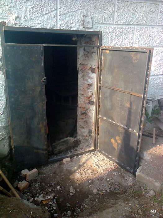 уличная входная металлические двери собственного производства в чеховском районе