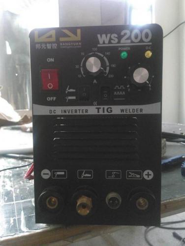WS200-welding-machines-for-TIG-welding-machine-with-QQ150-torch.jpg
