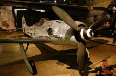 Focke-Wulf_Fw_190D-9_USAF.jpg